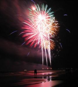 tybee-island-georgia-july-4-fireworks_l